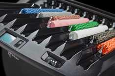 Чиппер машина CHIPSTAR™ сортирует фишки по цвету и номиналу, формируя стэки. Обеспечивает работу стола без дополнительного дилера, и позволяет наблюдение за событиями игры.